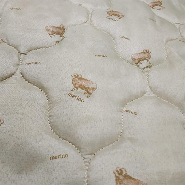 """Одеяло """"из овечьей шерсти"""" (двуспальное)"""